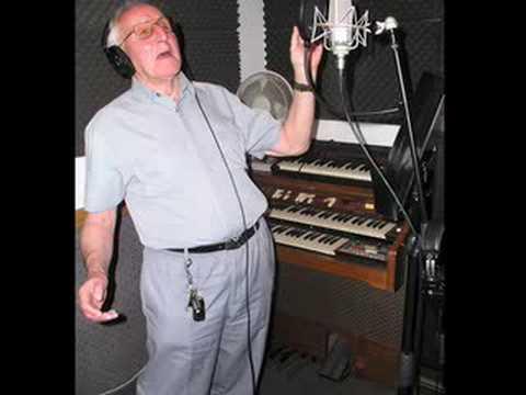 ols-man-singing1